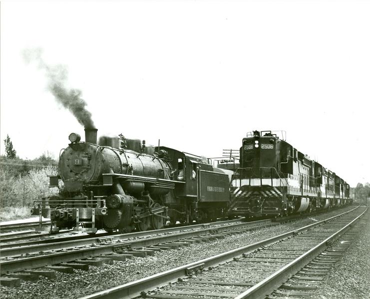 VA Blue Ridge Railway Engine 9 and Southern Railway Freight Engine (09842)