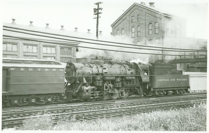 N&W Railway Switch Engine 267 (Roanoke, VA)  (09844)