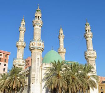 Imam Hussein Mosque (1986)