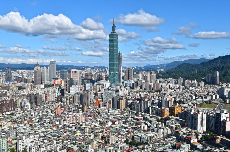 Taipei 101 ..... 1,671 feet (tallest building in the world from 2004 - 2009)