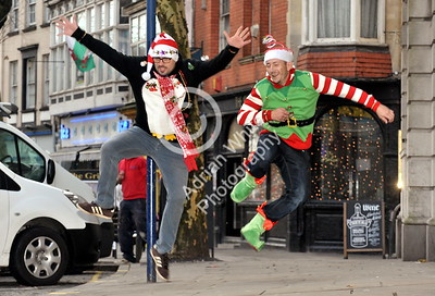 SWANSEA / Copyright Adrian White Friday 16th December 2016 Black Friday Earlybirds Carl Evans and Andrew Rees  in Wind Street. BYLINE www.click4prints.com