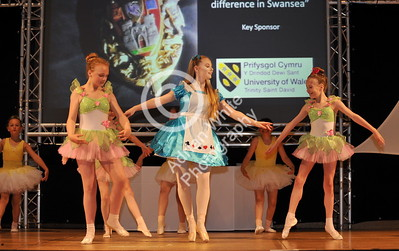 copyright adrian white/  Byline click4prints.com SWANSEA / with story / Friday 29th July 2016 Lord Mayor's Summer Honours Ball Mellin Theatre Arts BYLINE .. click4prints.com