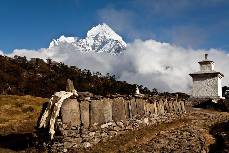 Mani wall, Khunde, Thamserku in background