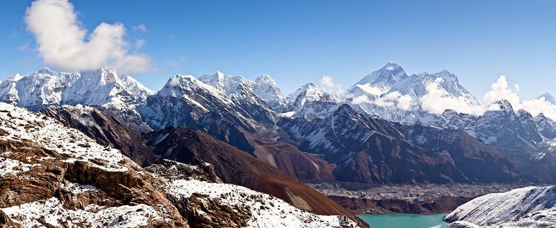 Renjo la toward Everest and Gokyo lake