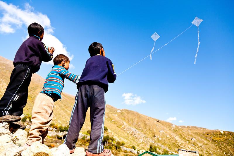 Kite flying, Bhote Koshi valley