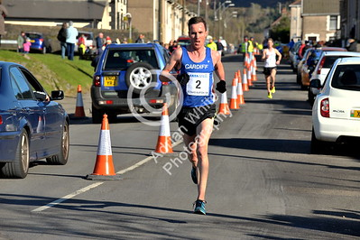 EAST / Copyright Adrian White Sunday 6th November 2016 Richard Burton 10k Road Race, Cwmavon. Overall Winner Rick Jones