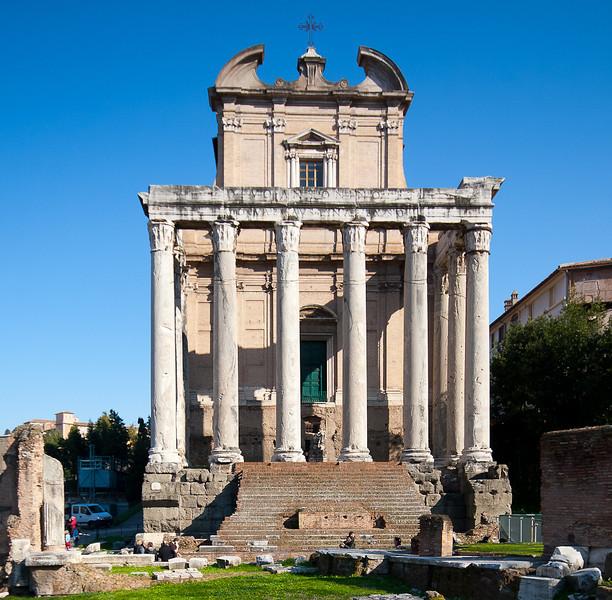 San Lorenzo in Miranda <br /> (aka Temple of Antoninus and Faustina)