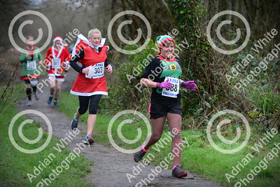 Clwb Rhedeg - The Fifth Pontardawe Santa 5k run starting and finishing at the Pontardawe Inn.   Copyright © 2018 by Adrian White  Photography, all rights reserved. For permission to publish - contact me via www.adrianwhitephotography.co.uk Please respect copyright laws.