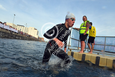 UWTSD Swansea Triathlon 2018  Pictured: Wave 1 Start Swim