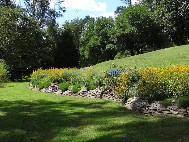 Flowering retaining wall