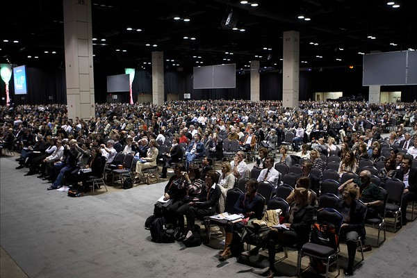San Antonio, TX -SABCS 2007: Attendees gather at the San Antonio Breast Cancer Symposium here today, Saturday December 15, 2007 in the Henry Gonzalez Convention Center. Over 8,000 physicians, researchers, clinicians, caregivers and cancer survivors from over 60 countries gathered to hear the latest developments in Breast Cancer research and treatment. Date: Saturday December 15, 2007 Photo by © SABCS/Todd Buchanan 2007 Technical Questions: todd@toddbuchanan.com; Phone: 612-226-5154.