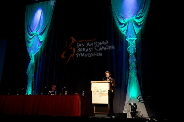 San Antonio, TX -SABCS 2007: Leslie Bernstein, PhD of City of Hope National Medical Center, Duarte, CA presents a paper on ?Physical activity and breast cancer: Evolution of a hypothesis? during the SUSAN G. KOMEN FOR THE CURE BRINKER AWARDS FOR SCIENTIFIC DISTINCTION LECTURES at the San Antonio Breast Cancer Symposium here today, Thursday December 13, 2007 in the Henry Gonzalez Convention Center. Over 8,000 physicians, researchers, clinicians, caregivers and cancer survivors from over 60 countries gathered to hear the latest developments in Breast Cancer research and treatment. Date: Thursday December 13, 2007 Photo by © SABCS/Todd Buchanan 2007 Technical Questions: todd@toddbuchanan.com; Phone: 612-226-5154.
