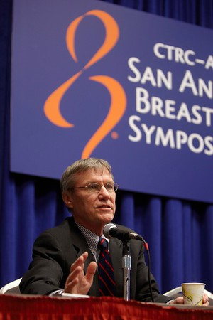 San Antonio, TX - SABCS 2008 San Antonio Breast Cancer Symposium: RT Chlebowski addresses the General session at the 2008 San Antonio Breast Cancer Symposium here today, Saturday December 13, 2008. Over 8,000 Physicians, researchers and healthcare professionals from over 50 countries attended the meeting which features the latest research on Breast Cancer Treatment and Prevention. Date: Saturday December 13, 2008 Photo by © SABCS/Todd Buchanan 2008 Technical Questions: todd@toddbuchanan.com; Phone: 612-226-5154.