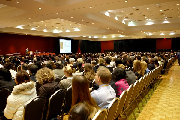 San Antonio, TX - SABCS 2008 San Antonio Breast Cancer Symposium: Attendees listen at the 2008 San Antonio Breast Cancer Symposium here today, Friday December 12, 2008. Over 8,000 Physicians, researchers and healthcare professionals from over 50 countries attended the meeting which features the latest research on Breast Cancer Treatment and Prevention. Date: Friday December 12, 2008 Photo by © SABCS/Todd Buchanan 2008 Technical Questions: todd@toddbuchanan.com; Phone: 612-226-5154.
