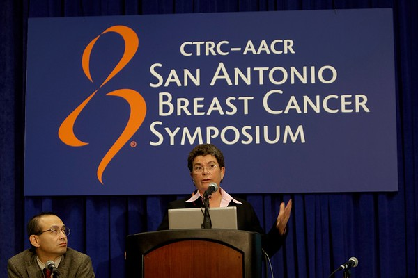 San Antonio, TX - SABCS 2008 San Antonio Breast Cancer Symposium: Susan Love, M.D., president, Dr. Susan Love Research Foundation and the Love/Avon Army of Women; AACR is the scientific collaborator for the Love/Avon Army of Women  addresses the Patient Management & Quality of Life press conference on the study:at the 2008 San Antonio Breast Cancer Symposium here today, Friday December 12, 2008. Over 8,000 Physicians, researchers and healthcare professionals from over 50 countries attended the meeting sponsored by American Association of Cancer Researchers (AACR) and the University of Texas, which features the latest research on Breast Cancer Treatment and Prevention. Date: Friday December 12, 2008 Photo by © SABCS/Todd Buchanan 2008 Technical Questions: todd@toddbuchanan.com; Phone: 612-226-5154.