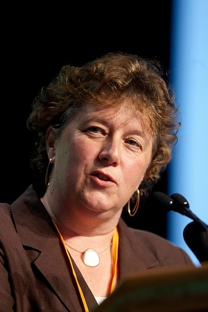 San Antonio, TX - SABCS 2008 San Antonio Breast Cancer Symposium: Laura vant Veer, PhD of Netherlands Cancer Institute Amsterdam, NETHERLANDS addresses the MOLECULAR PROFILING FOR GUIDING THERAPEUTIC DECISIONS  session at the 2008 San Antonio Breast Cancer Symposium here today, Friday December 12, 2008. Over 8,000 Physicians, researchers and healthcare professionals from over 50 countries attended the meeting which features the latest research on Breast Cancer Treatment and Prevention. Date: Friday December 12, 2008 Photo by © SABCS/Todd Buchanan 2008 Technical Questions: todd@toddbuchanan.com; Phone: 612-226-5154.