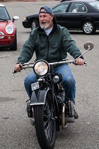 Brent rides Darryl's R52