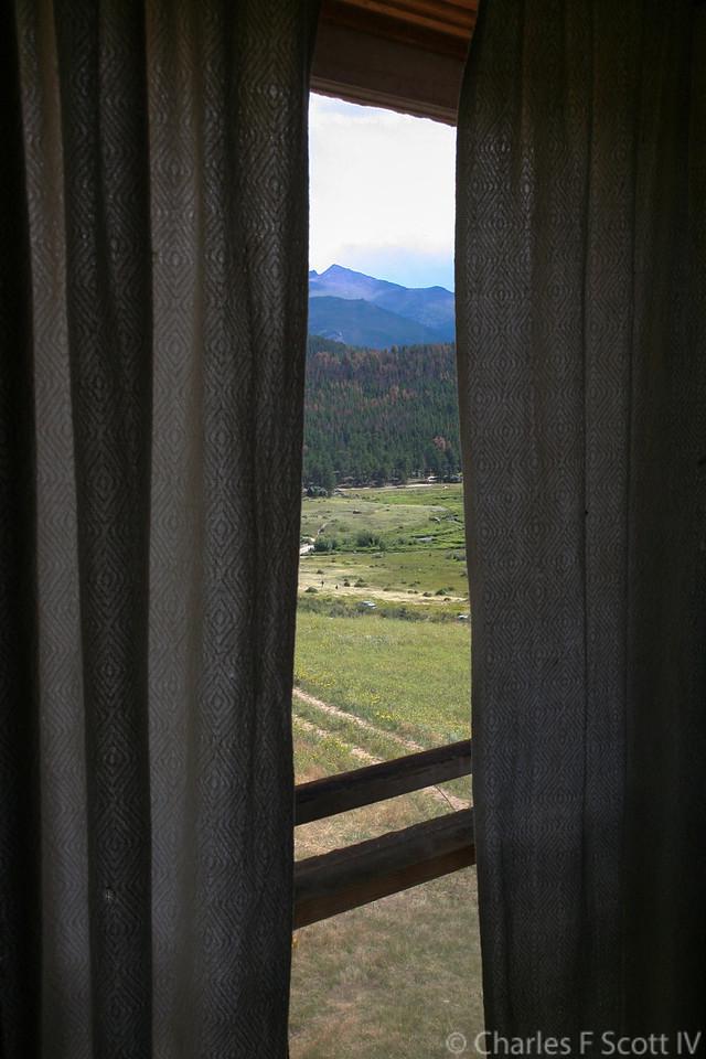 IMAGE: https://photos.smugmug.com/Public/2010-Colorado/i-hTkSL3c/4/X2/2010_08_11-21-X2.jpg