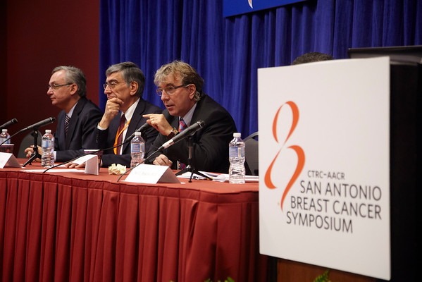 "San Antonio, TX - SABCS 2010 San Antonio Breast Cancer Symposium: Press Conference - Dr. Michael Untch addresses the ""Targeting HER2 Beyond Herceptin"" Press Conference at the 2010 San Antonio Breast Cancer Symposium here today, Friday December 10, 2010. Over 9,000 physicians, researchers, patient advocates and healthcare professionals from over 90 countries attended the meeting which features the latest research on breast cancer treatment and prevention. Date: Friday December 10, 2010 Photo by © SABCS/Todd Buchanan 2010 Technical Questions: todd@medmeetingimages.com; Phone: 612-226-5154."