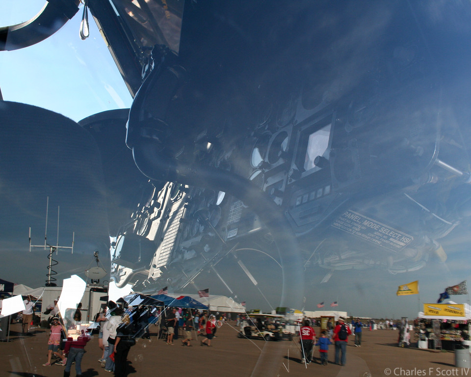 IMAGE: https://photos.smugmug.com/Public/2011-Air-Show-Alliance-Texas/i-XB7KJCz/1/7361d553/XL/20101031-156-XL.jpg