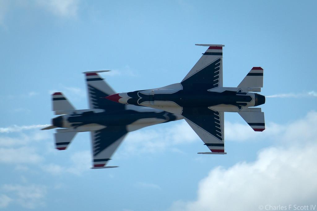 IMAGE: http://www.cscott4.com/Airplanes/2011-Air-Show-Alliance-Texas/i-d4t5xcH/0/XL/2011_10_22_3874-XL.jpg