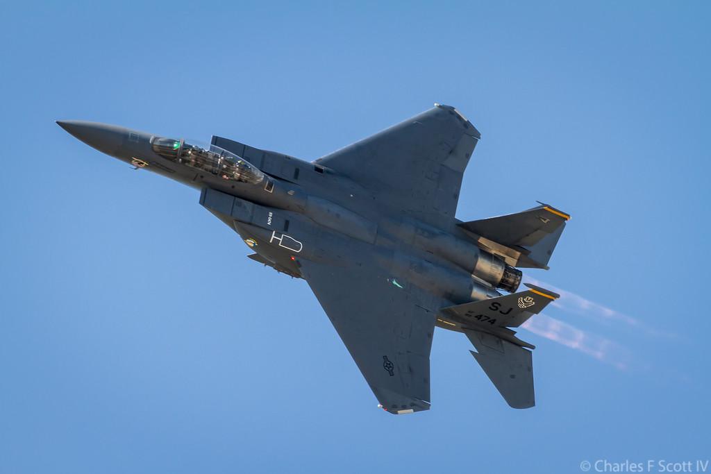 IMAGE: http://www.cscott4.com/Airplanes/2011-Air-Show-Alliance-Texas/i-dgRChXB/1/XL/2011_10_22_4830-XL.jpg
