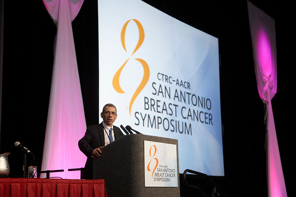 San Antonio, TX - SABCS 2011 San Antonio Breast Cancer Symposium: Eric Winer discusses the honoree during the Susan G. Komen For The Cure® Brinker Awards For Scientific Distinction Lectures at the 2011 San Antonio Breast Cancer Symposium here today, Wednesday December 7, 2011. Over 9,000 physicians, researchers, patient advocates and healthcare professionals from over 90 countries attended the meeting which features the latest research on breast cancer treatment and prevention. Date: Wednesday December 7, 2011 Photo by © SABCS/Todd Buchanan 2011 Technical Questions: todd@medmeetingimages.com; Phone: 612-226-5154.