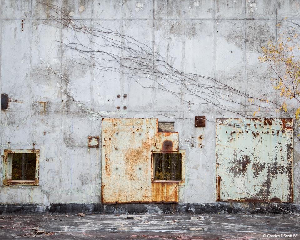 IMAGE: http://www.cscott4.com/Public/2012-URBEX/i-NHKD928/1/XL/20121123-5683-XL.jpg