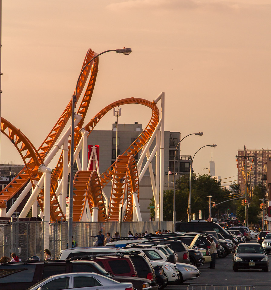 New 1 WTC (or the unoffical name: Freedom Tower) in the background of Luna Park, Bklyn.
