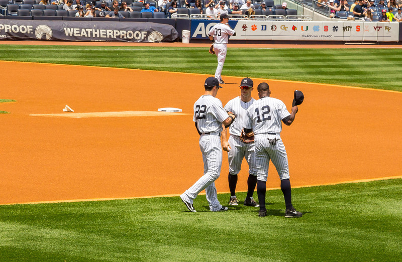 Jacoby Ellisbury, Brett Gardner, Alfonso Soriano and Kelly Johnson in the background