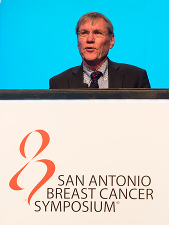 RT Chlebowski speaks during General Session 5