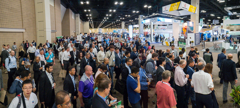 Attendees during the opening of the Exhibit Hall floor