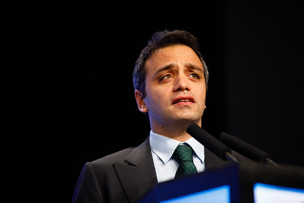 Luigi Formisano speaks during the General Session