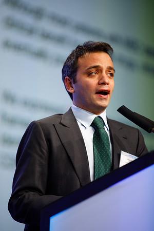Luigi Formisano speaks during the General Session