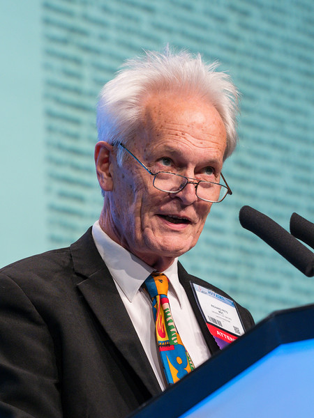 Sir Richard Peto, FRS gives the WILLIAM L. MCGUIRE MEMORIAL LECTURE during the Opening Plenary Session