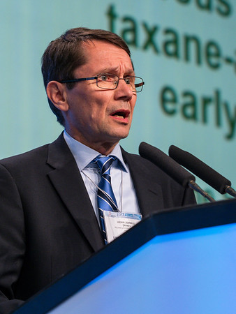 H Joensuu, MD, speaks during GENERAL SESSION 3