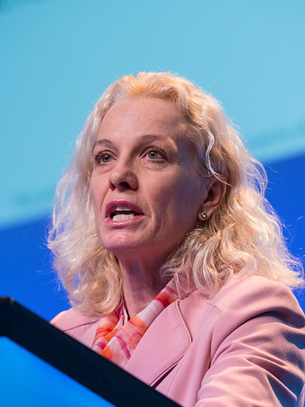 Pamela Munster, MD speaks during GENERAL SESSION 5
