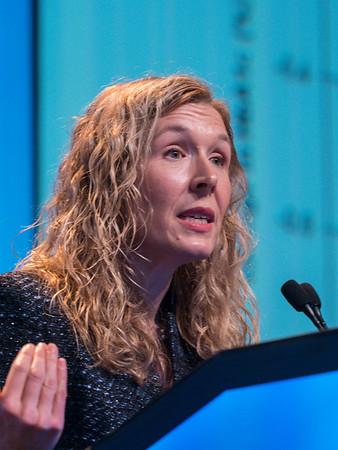 Discussant Jennifer Ligibel, MD speaks during GENERAL SESSION 5