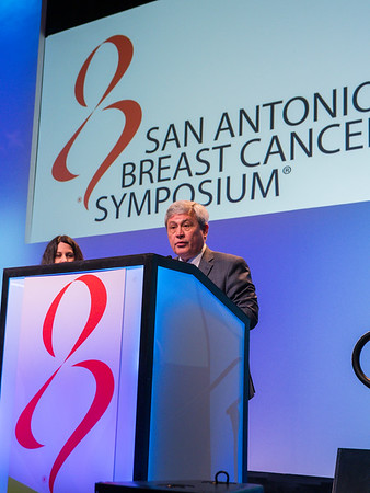 Carlos Arteaga, MD introduces during AACR Distinguished Lectureship i