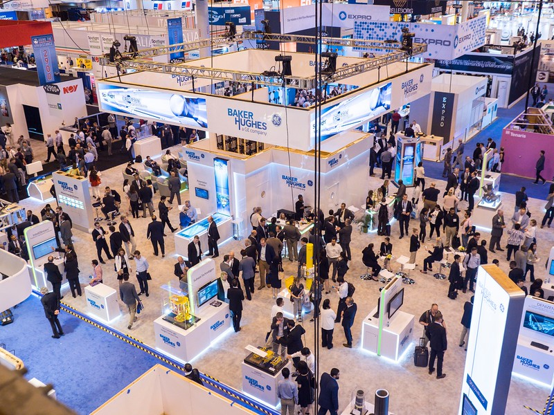 Attendees and Exhibitors during Crowds in the Exhibit Hall