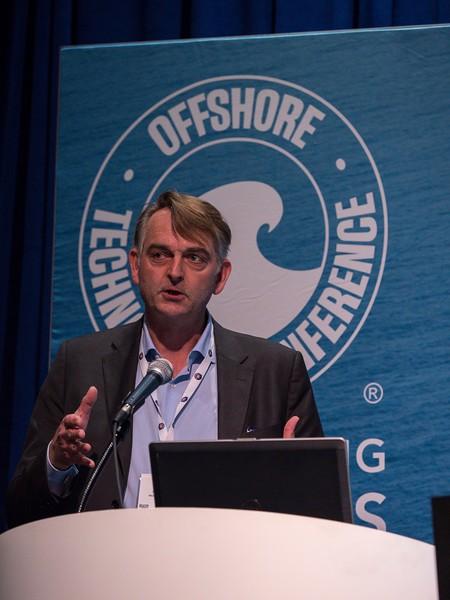 O. Sylthe speaks during Leveraging Big Data in System Design