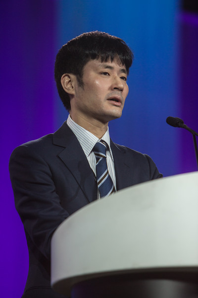 Hirotoshi Watanabe presents  during Late-Breaking Clinical Trials (LBCT) V: SAFARI-STEM, COACT, TREAT, STOPDAPT2, SMART-CHOICE