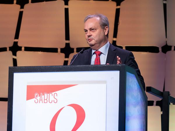 W. Fraser Symmans, MD speaks during ENERAL SESSION 5