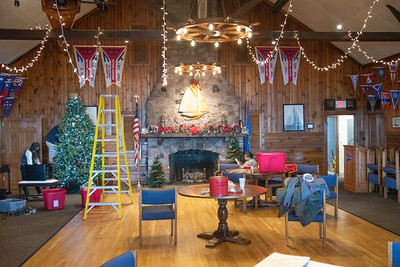 Christmas Decorating at Yacht Club 2020