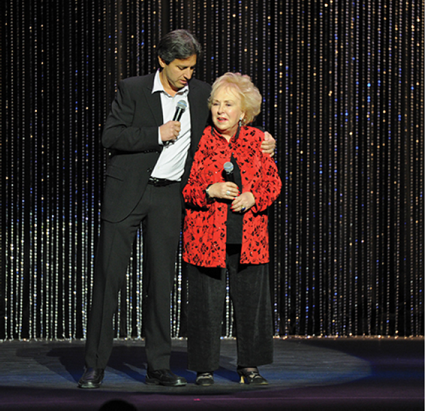 Doris Roberts and Ray Romano share the stage, 2010.