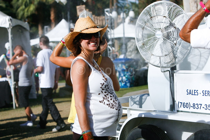 Cool while pregnant at Stagecoach