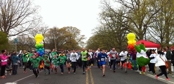 Runners in the Miles for Myeloma 5k in Philadelphia