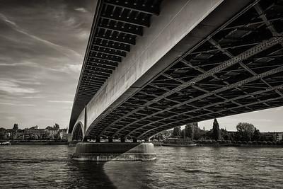 Kennedybrücke Bonn-Beuel