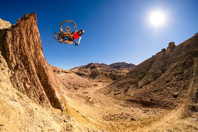 Kirt Voreis table in the California desert