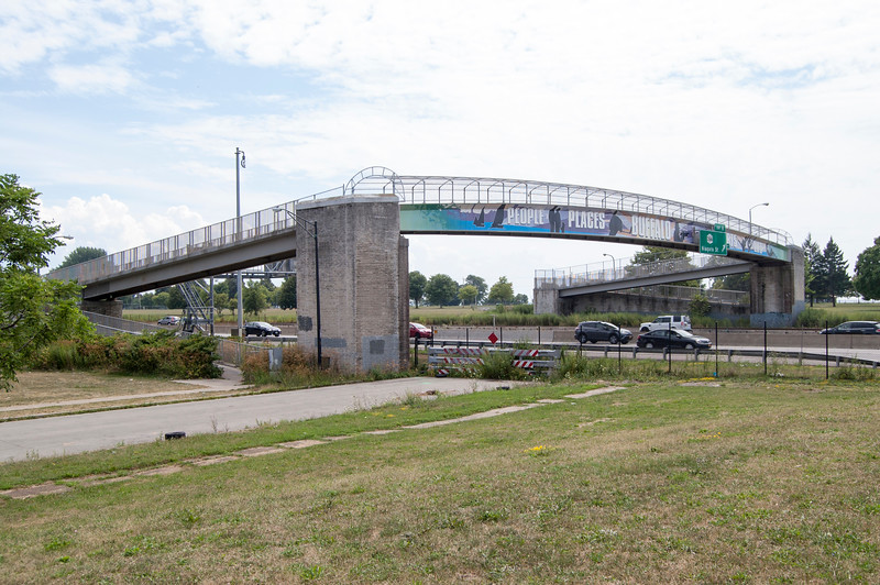 Hudson Street Pedestrian Bridge, Hudson Street, Niagara Thruway (190N, looking west)